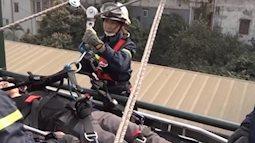 'Biệt đội' nữ đu dây cứu hộ cứu nạn ở Hà Nội