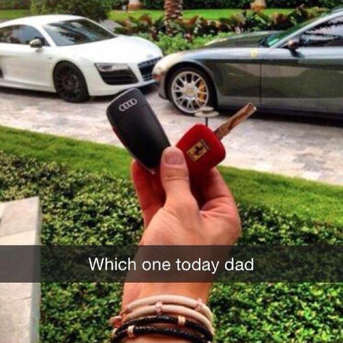 Cuộc sống xa xỉ của hội cha mẹ giàu thế giới