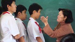 Thầy cô phạt quỳ, đánh roi học sinh là 'tội'?