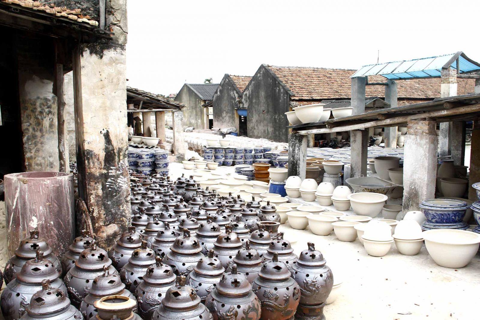 Tham quan làng gốm Bát Tràng nhân dịp cuối tuần