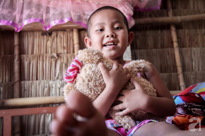 Tâm sự của bé gái 5 tuổi bị u não: Mẹ ơi! Mẹ cứu con đi, con lớn lên đi mần công ty trả tiền cho mẹ - Ảnh 6.