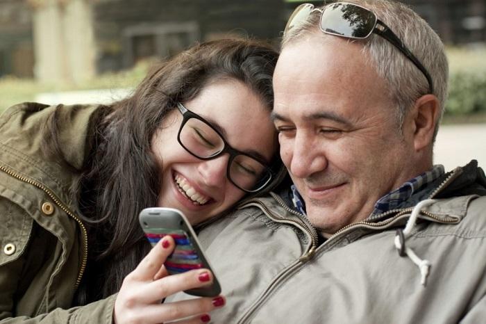Bố nên dạy con gái điều gì về tình yêu và tình dục - Làm cha mẹ