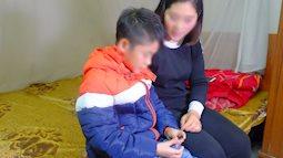 Vụ bé trai 9 tuổi bị bố dùng dây điện đánh đập: Cháu bé được cách ly khỏi người bố