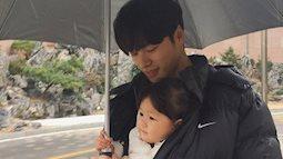 Loạt ảnh đáng yêu phát hờn của ông bố xứng danh soái ca và cô con gái nhỏ