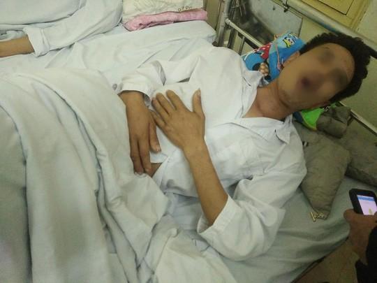 Anh P. vẫn đang điều trị tại Bệnh viện 103 vì bị bảo vệ Bệnh viện K xô xát. Ảnh: TL