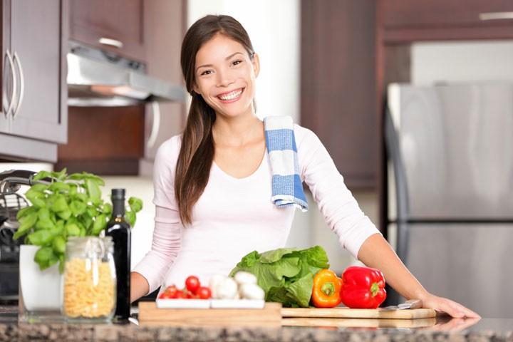 Kinh ngạc: Tự nấu ăn ở nhà giúp bạn tiết kiệm ít nhất 20 triệu/năm - Làm  cha mẹ