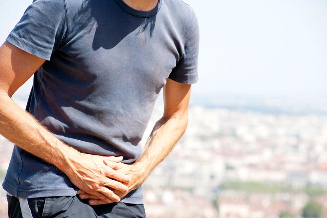 10 dấu hiệu ung thư từ đầu tới chân nam giới hay coi thường - Ảnh 2.