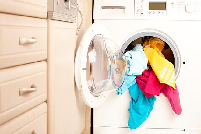 Quá dễ dàng để thổi bay mùi hôi trong máy giặt, chỉ cần 2 nguyên liệu này thôi - Ảnh 1.