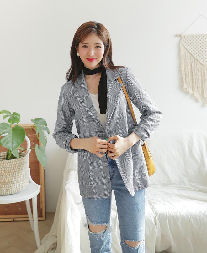 """Tuyệt chiêu để """"lúc nào cũng mặc đẹp"""" của con gái Hàn nằm cả ở 12 món đồ và cách mix này - Ảnh 14."""