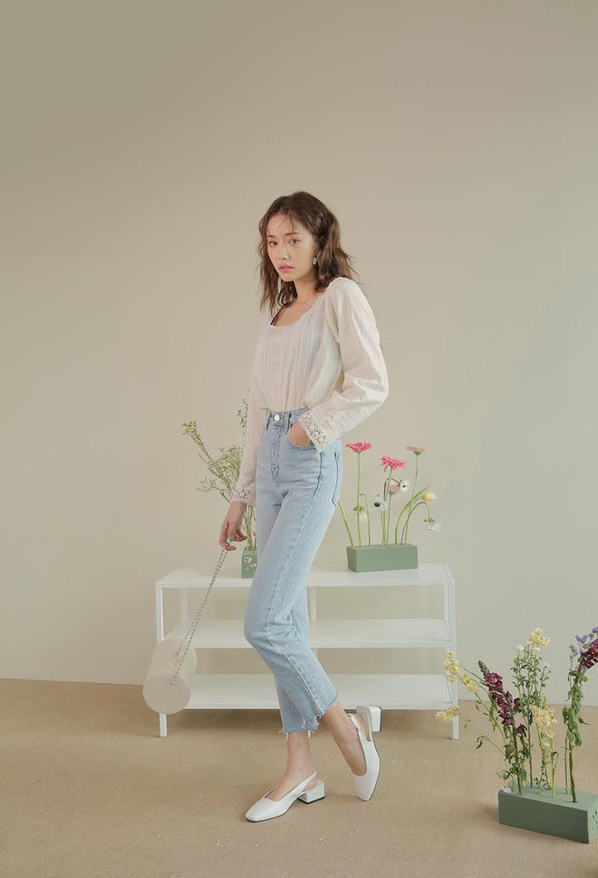 Định mặc quần jeans ống đứng, các nàng hãy chọn 1 trong 4 combo cứ lên đồ là đẹp miễn chê này - Ảnh 13.