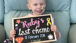 Bé gái 2 tuổi chiến thắng ung thư trong vòng 5 tháng