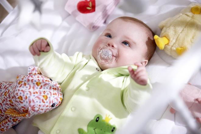 12 trò chơi thú vị kích thích sự phát triển của bé trong năm đầu đời - Ảnh 5.