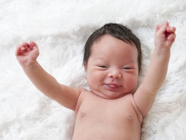 12 trò chơi thú vị kích thích sự phát triển của bé trong năm đầu đời - Ảnh 7.