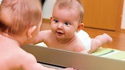12 trò chơi thú vị kích thích sự phát triển của bé trong năm đầu đời