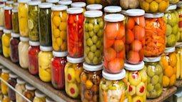 Vô tình đánh cược sức khỏe của cả gia đình chỉ vì không biết những tác hại của thực phẩm đóng gói