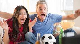 Muôn điều ngán ngẩm của các bà vợ mỗi mùa World Cup