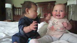 Clip hai em bé nói chuyện cực đáng yêu