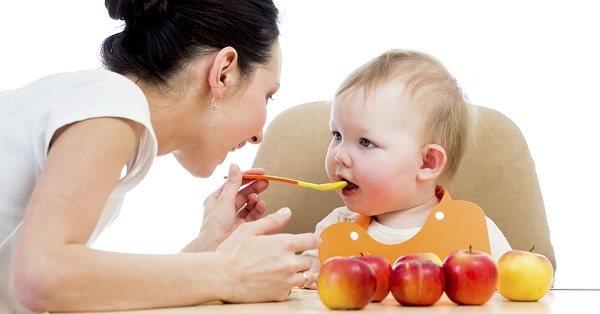 nên làm gì khi trẻ bị táo bón hình ảnh 2
