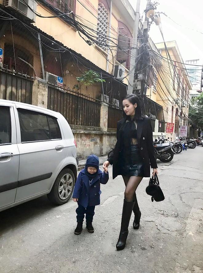 Ghen tị với tổ ấm hạnh phúc, chồng chiều con ngoan của những cựu hot girl Việt đình đám - Ảnh 19.