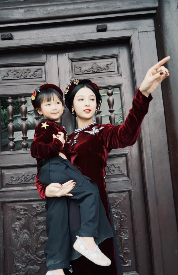 Ghen tị với tổ ấm hạnh phúc, chồng chiều con ngoan của những cựu hot girl Việt đình đám - Ảnh 4.