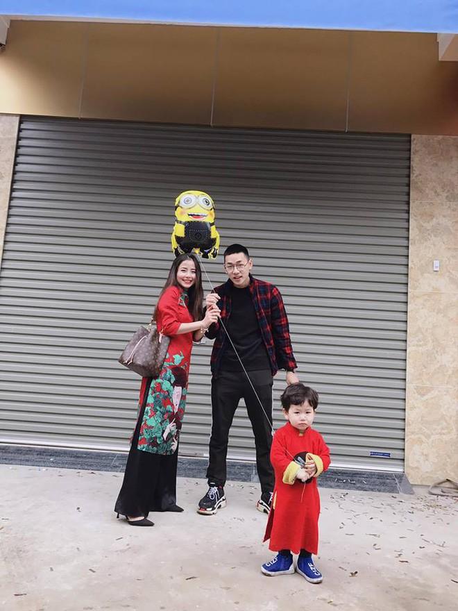 Ghen tị với tổ ấm hạnh phúc, chồng chiều con ngoan của những cựu hot girl Việt đình đám - Ảnh 42.