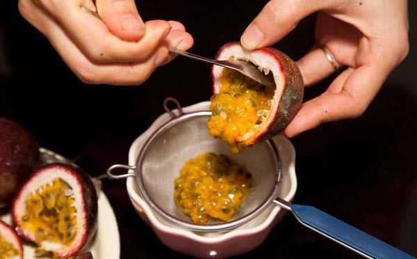 Chi tiết cách làm bánh flan (caramen) với chanh leo ngon tuyệt vời