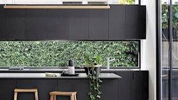 Thiết kế nhà hiện đại: xu hướng trang trí bằng ngoại cảnh cho gian bếp sáng bừng và mát mắt