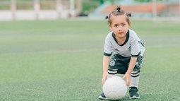 """Đây chính là """"thiên thần nhí đội tuyển Đức"""" gây chao đảo mạng xã hội Việt mùa World Cup này"""