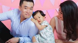 Thêm loạt ảnh đáng yêu hết nấc của nữ cơ trưởng Huỳnh Lý Phương Đông và cô con gái