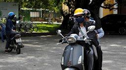 Giảng viên Đại học Huế chạy xe máy ra Quảng Bình coi thi