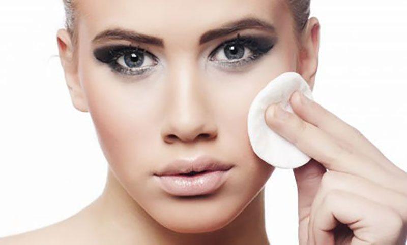 Da bạn chỉ thêm mụn với những sai lầm tai hại này khi làm sạch da hình ảnh