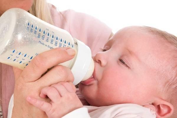 Pha sữa công thức cho trẻ theo tiêu chuẩn WHO