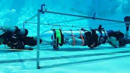 Tàu ngầm mini giải cứu đội bóng Thái len lỏi qua hang động như thế nào?