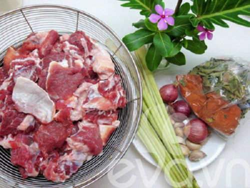Chỉ sau vài bước đơn giản là bạn có ngay món bò kho ngon nhất cho gia đình rồi.