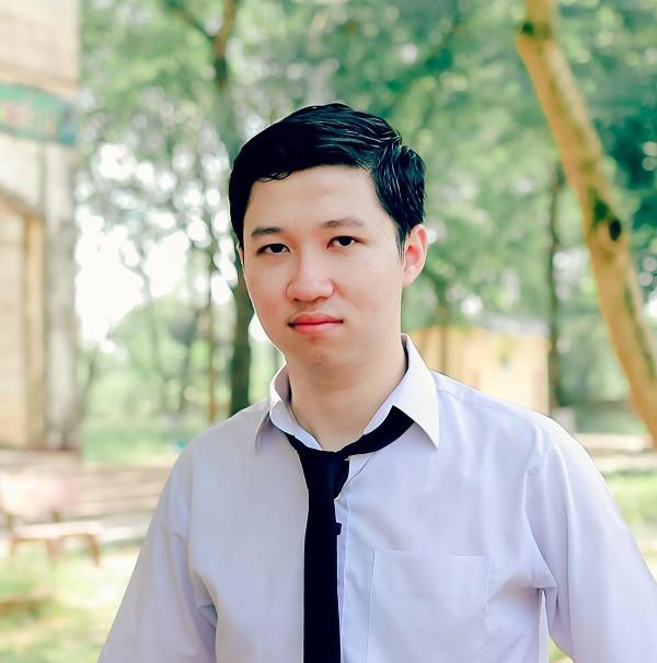 Điểm thi của Cậu bé Google Phan Đăng Nhật Minh: Tiếng Anh 9,6 Văn 6,25 - Ảnh 1.