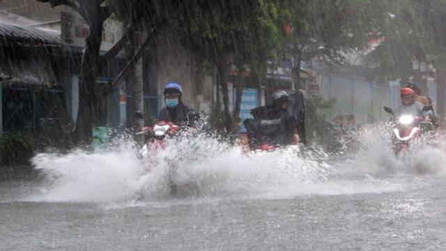 Thời tiết 11/7: Áp thấp trên Biển Đông, ba miền có mưa, nhiệt độ dịu mát