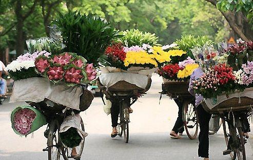 Thời tiết 12/7: Hà Nội nắng nóng trở lại, Nam Bộ mưa dông