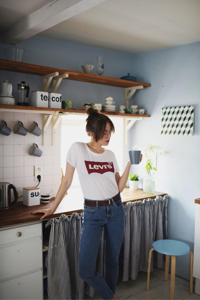 Thích áo phông, mặc nhiều là thế nhưng bạn có biết cách giữ cho chiếc áo của mình bền đẹp như mới - Ảnh 3.