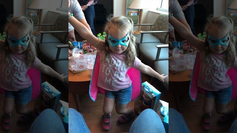 Cô bé 3 tuổi dùng FaceTime để cứu mạng cha bị đột quỵ