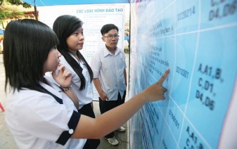 Hàng loạt trường ĐH công bố mức điểm nhận hồ sơ xét tuyển