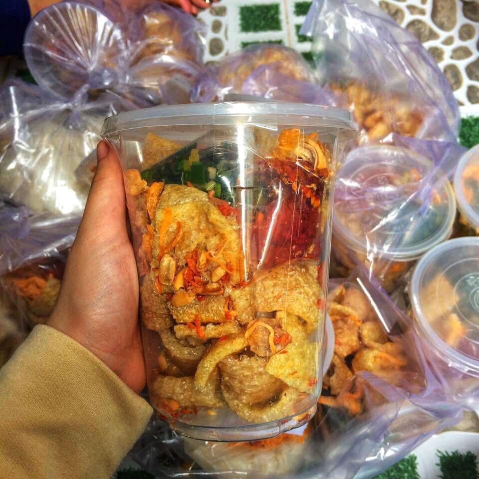 Những món ăn vặt Sài Gòn cứ lắc, trộn là khiến người ta chảy nước miếng - Ảnh 9.