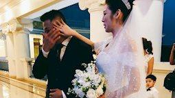 Trao con gái cho chàng rể, bố Á hậu Tú Anh bật khóc trong hôn lễ
