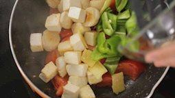 Sò điệp xào cà chua – món ngon bổ dưỡng ngày đầu tuần