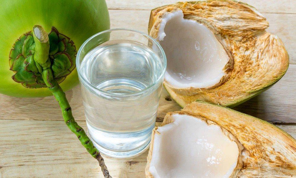 Không nên uống nước dừa vào buổi tối hình ảnh