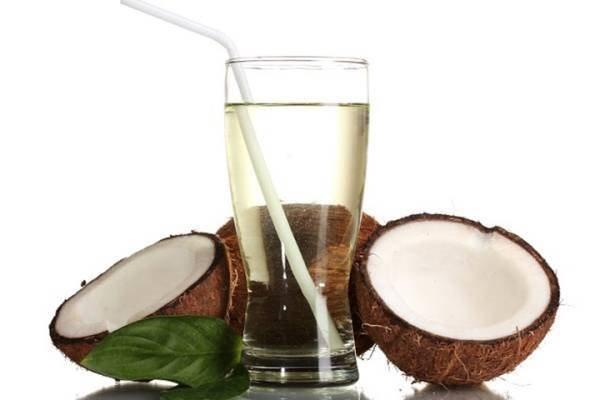 Uống nhiều nước dừa khi chuẩn bị chơi thể thao sẽ làm giảm độ dẻo dai và khả năng phản xạ của cơ thể hình ảnh