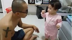 """Bé gái 10 tháng tuổi """"cãi bố nhem nhẻm"""", xem là muốn đẻ con gái liền!"""