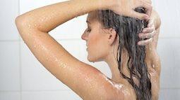Lưu ý khi mang bầu, mẹ tắm nước nóng tăng nguy cơ dị tật thai nhi, dễ gây sinh non, sẩy thai