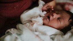Mẹ chồng - nàng dâu mâu thuẫn vì ở chuyện kiêng cữ sau sinh
