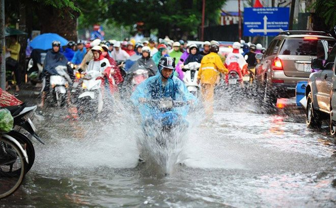 Thời tiết 31/7: Hà Nội mưa dông lớn kéo dài, Đà Nẵng nắng nóng
