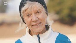 Nữ cựu giáo viên 81 tuổi phá kỷ lục thế giới về chạy bộ